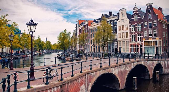 amsterdam-1xx