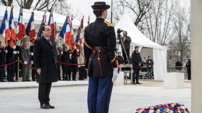 © Christophe Petit Tesson, AFP | Le président François Hollande lors de la cérémonie de commémorations au quai Branly, le 19 mars 2016.