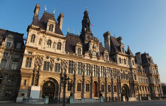 Hôtel-de-Ville-de-Paris-Extérieur-façade-|-630x405-|-©-Fotolia-jorisvo